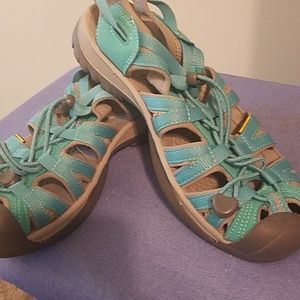 Shoes Keen Women's size 8 gently used